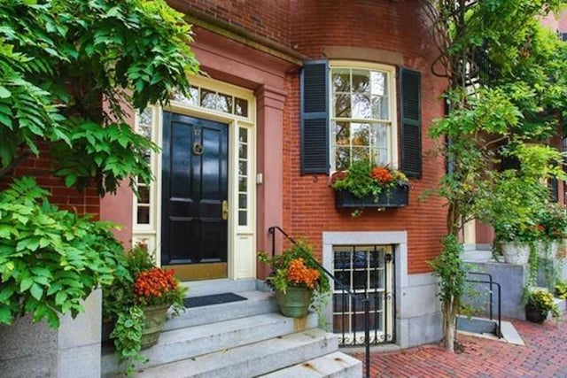 Luxury Home of the Week: For $20.5 million, Beacon Hill town house next to John Kerry