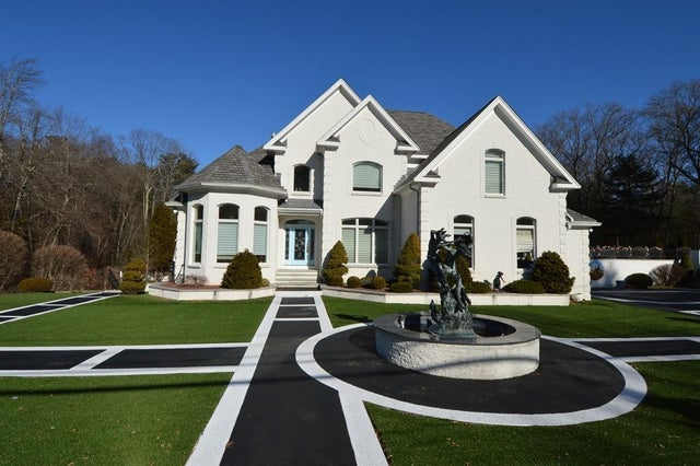 Just listed: Must-see walkways lead to a Holliston home filled with murals