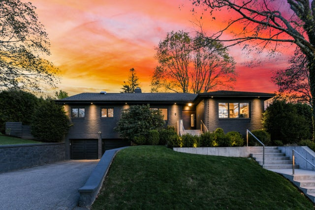 Home of the Week: In Jamaica Plain, a mid-century modernized for busy couples